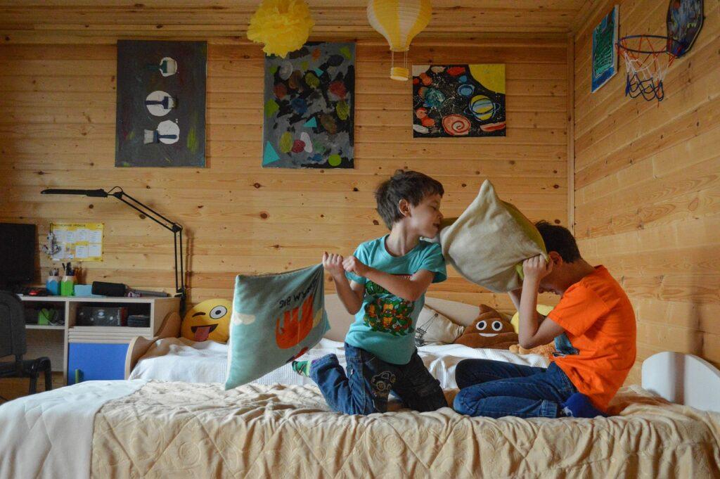 kids, games, pillow fight